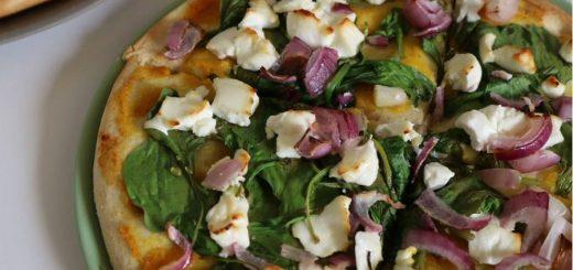 bloemkoolpizza bodem spinazie, geitenkaas