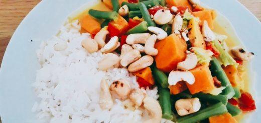 kokoscurry met sperziebonen en chinese kool
